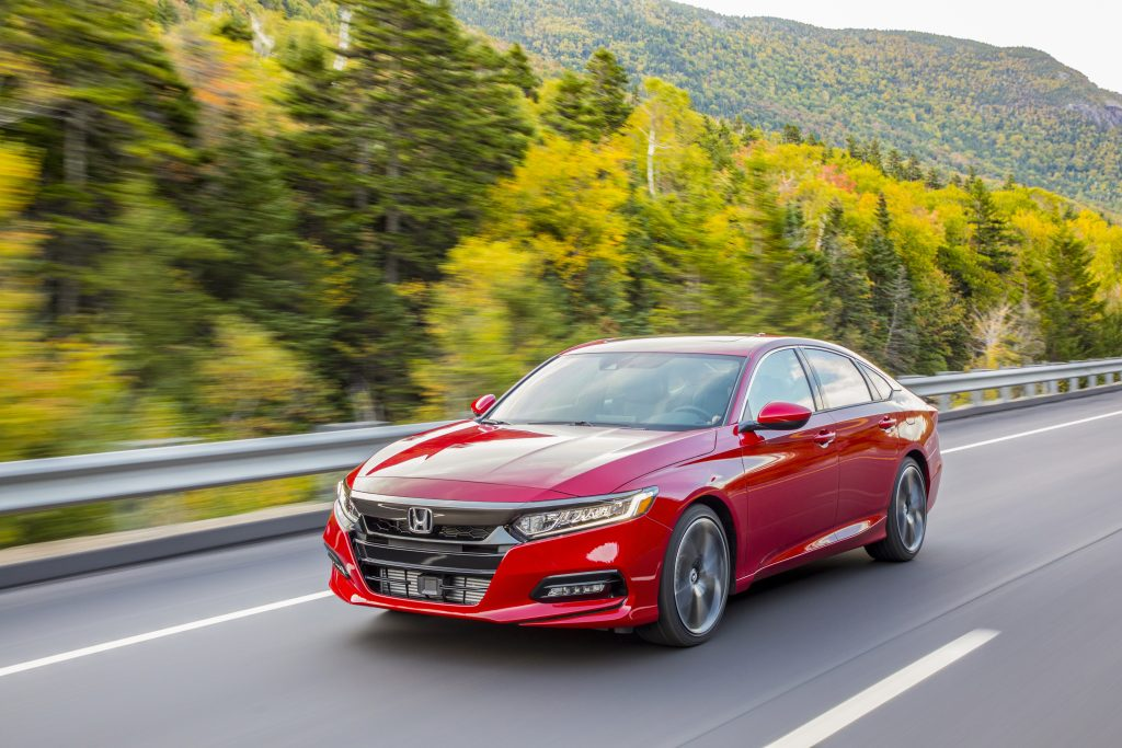 2019 Honda Accord Sport 2.0T Driving on forest road